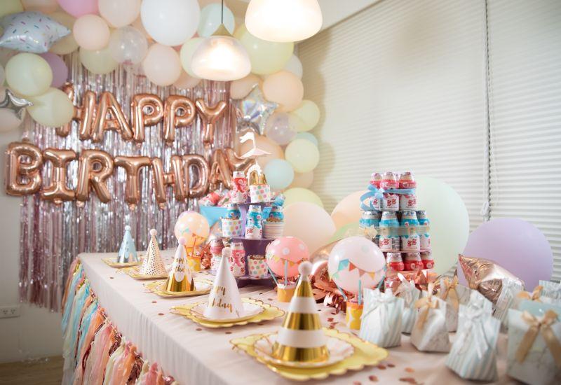 ▲可彤跟好友們用多多佈置的慶生派對,居然美成這樣也太夢幻!(圖/資料照片)