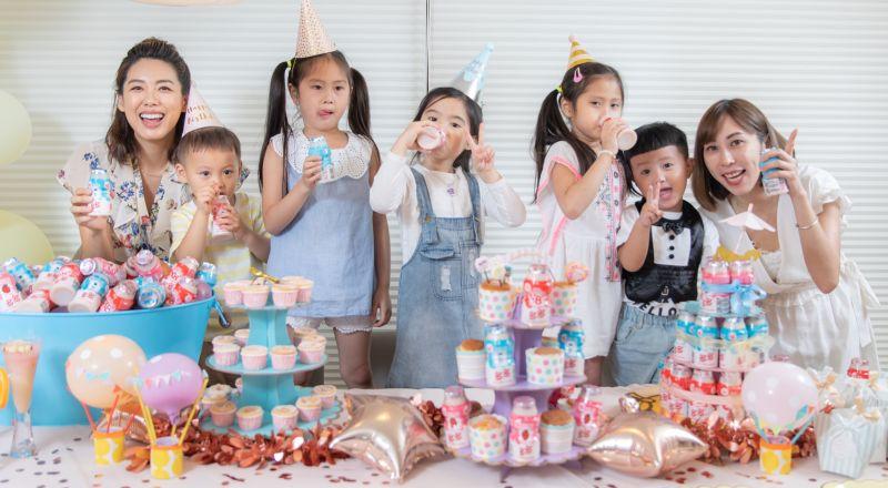 ▲準備滿滿一桶最愛的多多,慶生派對用多多一起乾杯,超開心!(圖/資料照片)
