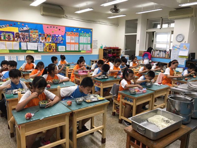 金門國中小學童一週食用一次有機蔬菜