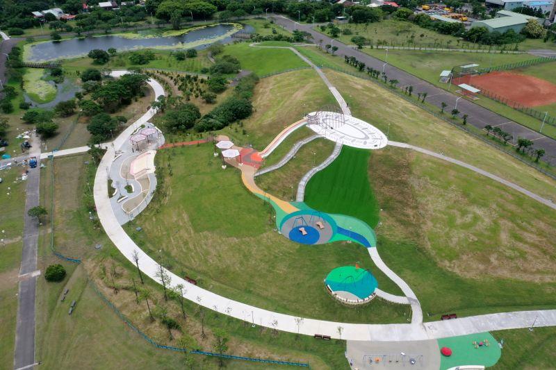 考古主題沙坑、20公尺滑梯!八里「十三行文化公園」啟用