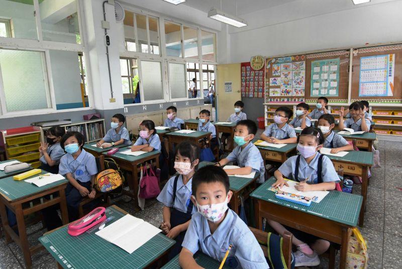 ▲和美國小教室裝置了新風換氣系統,學童上課情形。(圖/記者陳雅芳攝,2020.06.19)