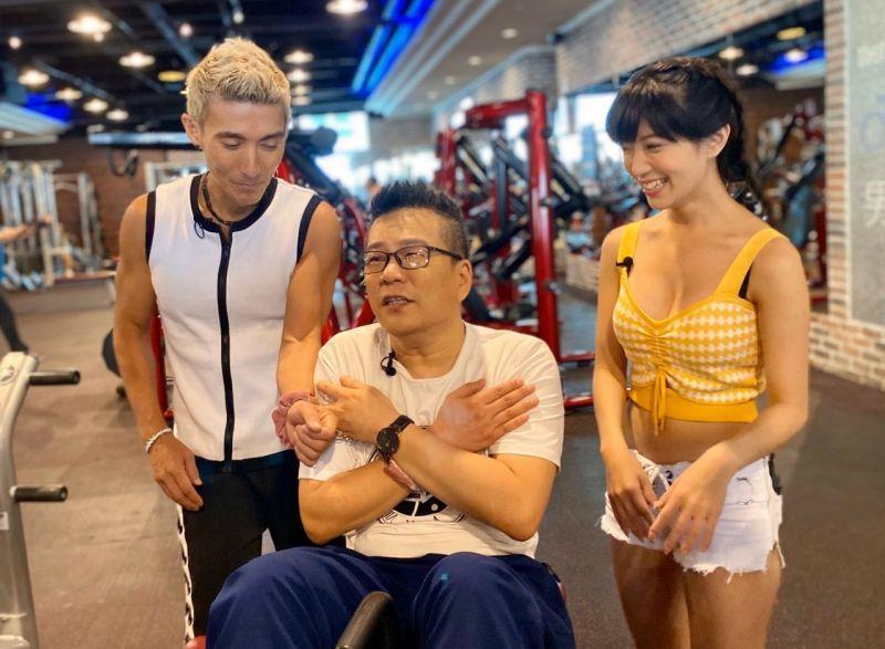 ▲潘若迪(左起)、沈玉琳和助理主持派派在健身房挑戰關卡。(圖/民視)