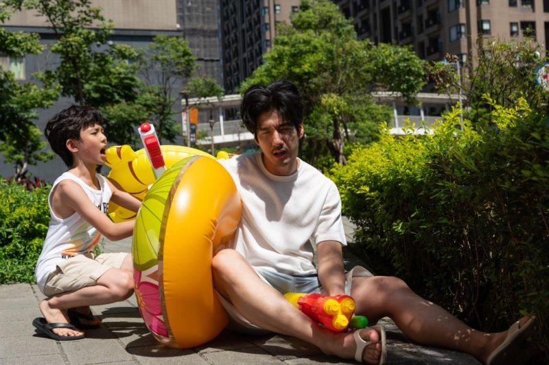 ▲遠雄新未來3  首發地產APP手遊「A7未來探險島」 大人小孩一起玩。(圖/遠雄提供)