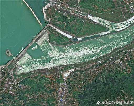 ▲三峽大壩的衛星雲圖。(圖/翻攝自中國航天科技集團微博)