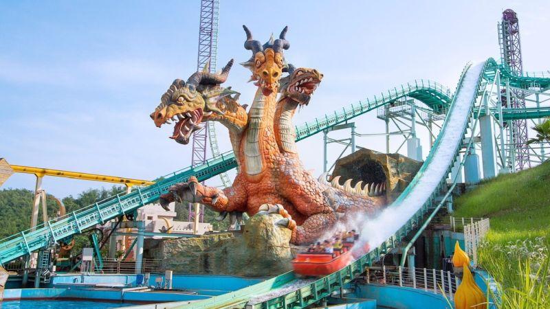 ▲ 最強龍舟「飛越愛情海」是全台最高的高速俯衝式噴水遊樂設施。(圖/義大遊樂世界提供)
