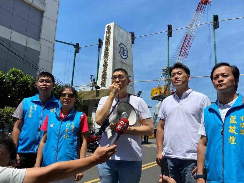 前立委謝國樑大力聲援台船員工的權益,要求台船不應犧牲將近兩千人的工作權與生存權。