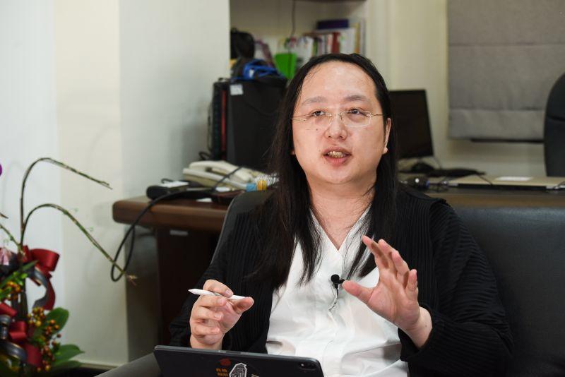▲行政院政務委員唐鳳接受澳洲廣播公司(ABC)訪問,分享台灣利用數位科技,作為支持開放社會和透明政府的經驗。(圖/記者陳明安攝)