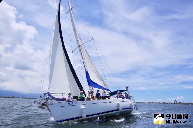 ▲濱灣公園可搭乘重型帆船遊覽整個大鵬灣,