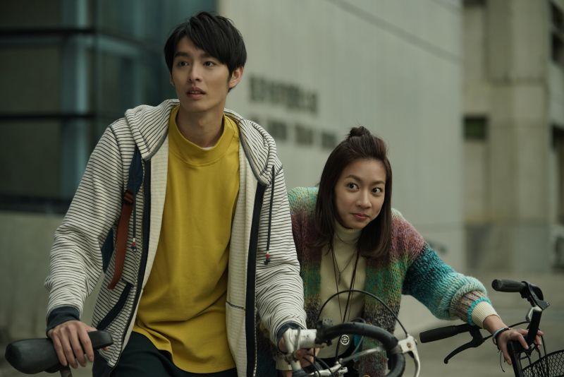 ▲曹佑寧、陳妤(右)主演《可不可以,你也剛好喜歡我》。(圖/華映)