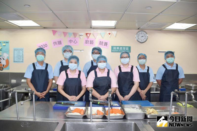 ▲彰化基督教醫院體系營養部供膳中心舉辦內部二央廚廚師料理競賽。(圖/記者陳雅芳攝,2020.06.25)