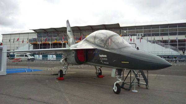 勇鷹首飛2/棄買M-346研發勇鷹高教機 義大利氣炸