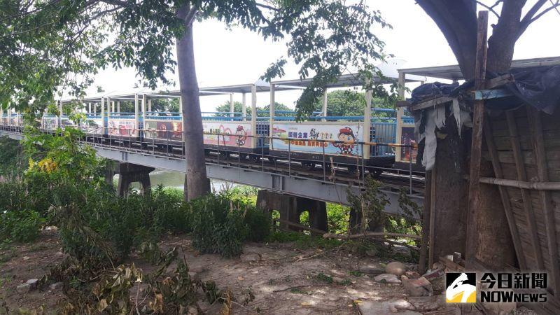 ▲溪湖鎮溪湖糖廠一輛運載遊客的糖廠觀光小火車,下午發生車禍意外。(圖/記者陳雅芳攝,2020.06.26)