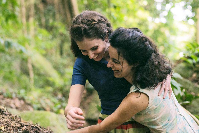 ▲▼「妹妹」卡蘿杜瓦茲(左)出身舞台劇,「姊姊」尤莉亞史托克則是知名編劇兼表演老師。(圖/海鵬)