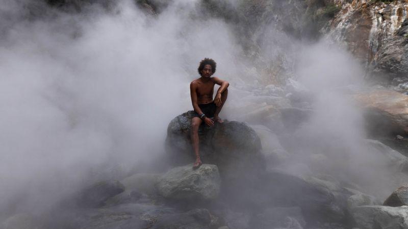 ▲▲他特別來到台東尋訪藏在深山內有著充滿仙氣「地熱谷噴煙」景緻的轆轆溫泉。(圖|Natalie提供)