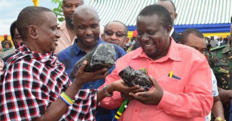 ▲近日在國外就有一名礦工挖到了超珍貴的「坦桑寶石」。(圖/翻攝自《