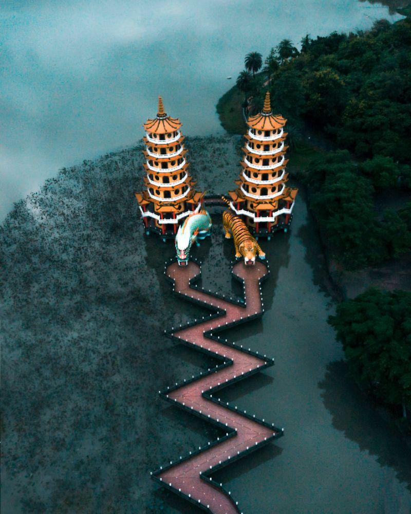 ▲台灣的「龍虎塔」。(圖/翻攝自