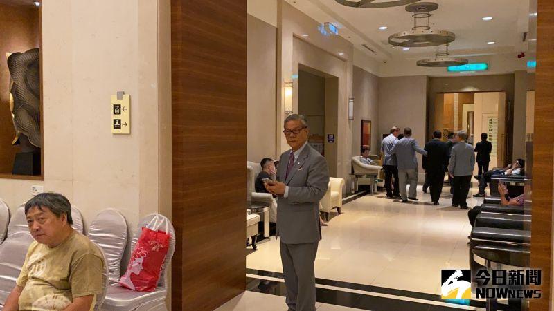 ▲大億集團董事長吳俊億低調現身。(圖/記者陳聖璋攝,2020.06.28)