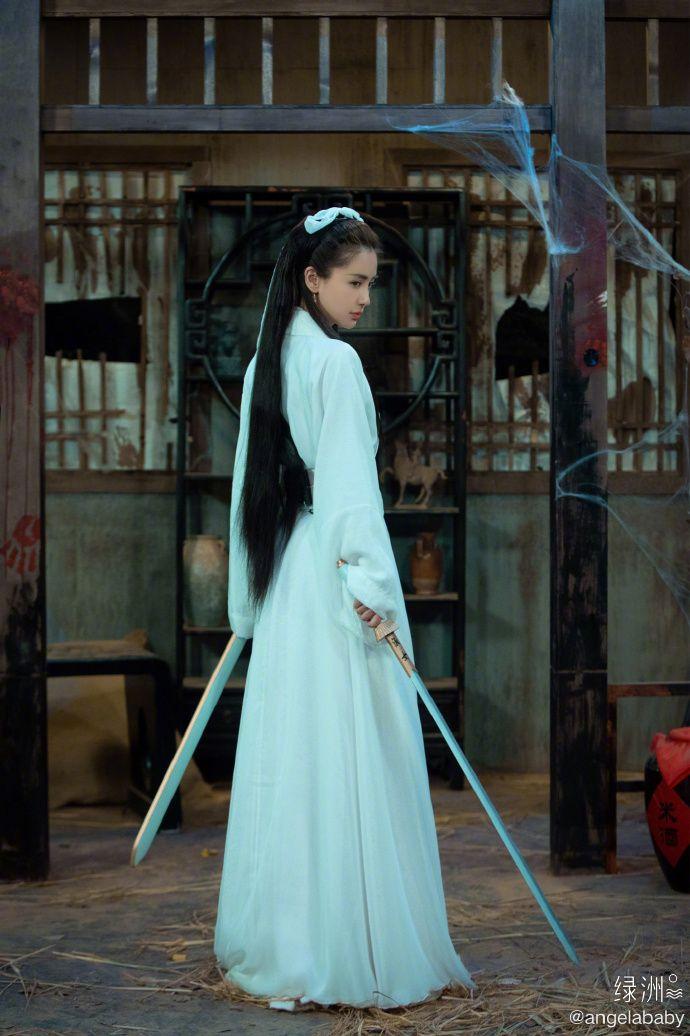 ▲Angelababy小龍女裝扮讓于正想起當初選角內幕。(圖/翻攝Angelababy微博)