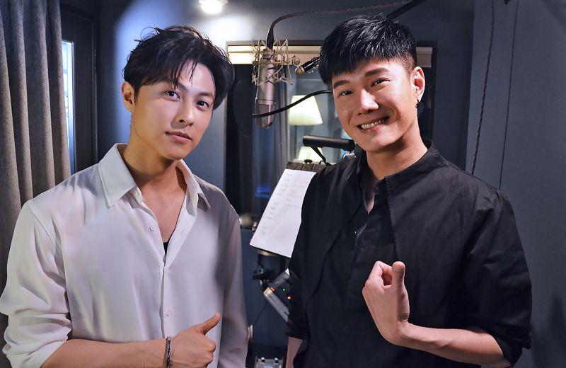 ▲張與辰(右)、王子邱勝翊一起合唱韓劇OST組曲。(圖/種子音樂提供)