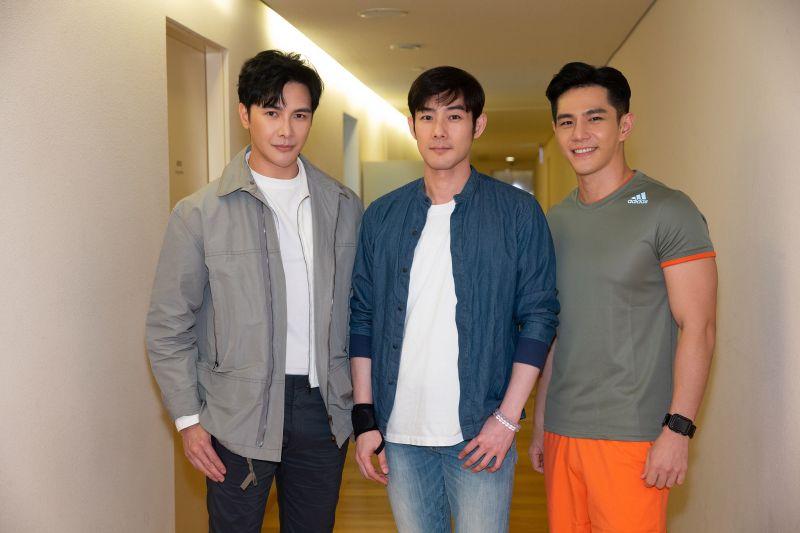 ▲謝佳見(左起)、施易男、祖雄參與線上直播音樂會。(圖/時大音樂提供)