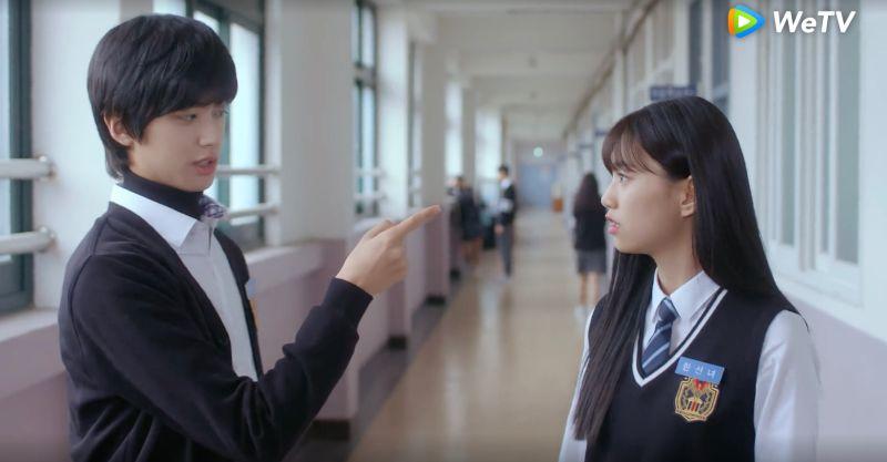 ▲▼金旻奎(上圖左)劇中一直撩金度延。(圖/WeTV)
