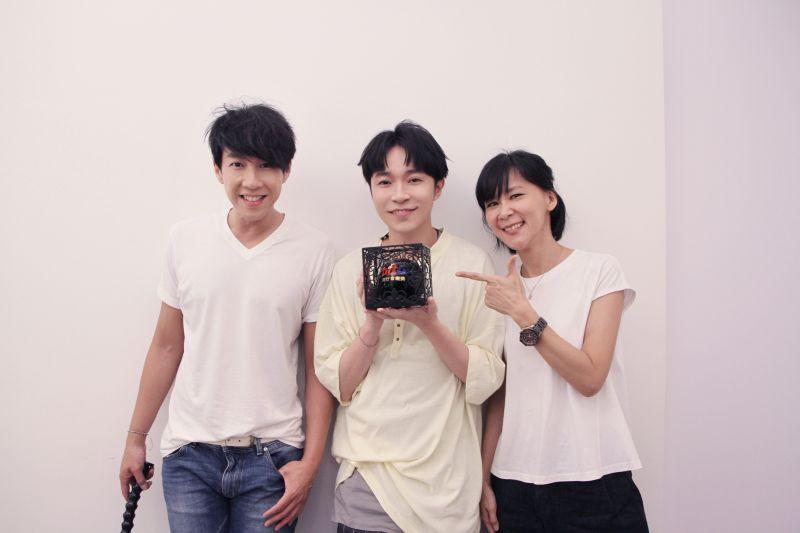 ▲吳青峰(中)奪得本屆hito流行音樂獎4項獎。(圖/Hit