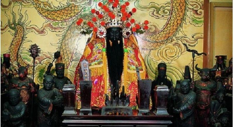▲城隍老爺本就是飽讀詩書的文官。(圖/台北霞海城隍廟授權)