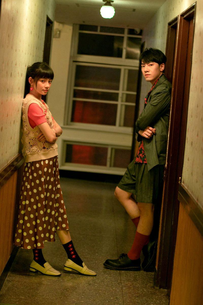 ▲李友廷(右)邀請姚愛寗一起拍攝歌曲MV。(圖/華研國際提供)