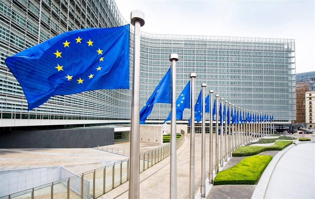 ▲歐洲聯盟國家正各自展開推動施打COVID-19(2019冠狀病毒疾病)疫苗追加劑的行動,但歐盟藥品監管機關尚未判定施打追加劑是否安全有效。(圖/取自European Commission臉書)