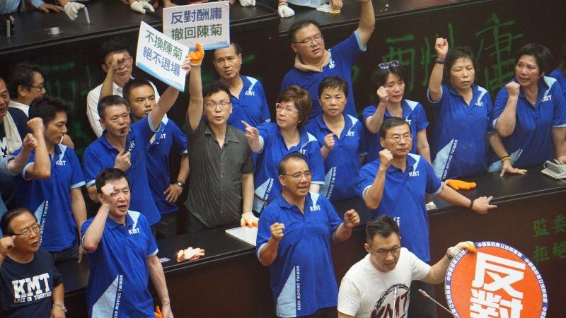 ▲國民黨團遭到火速清場,陳雪生認為黨團成員太仁慈。 (圖/記者呂炯昌攝)