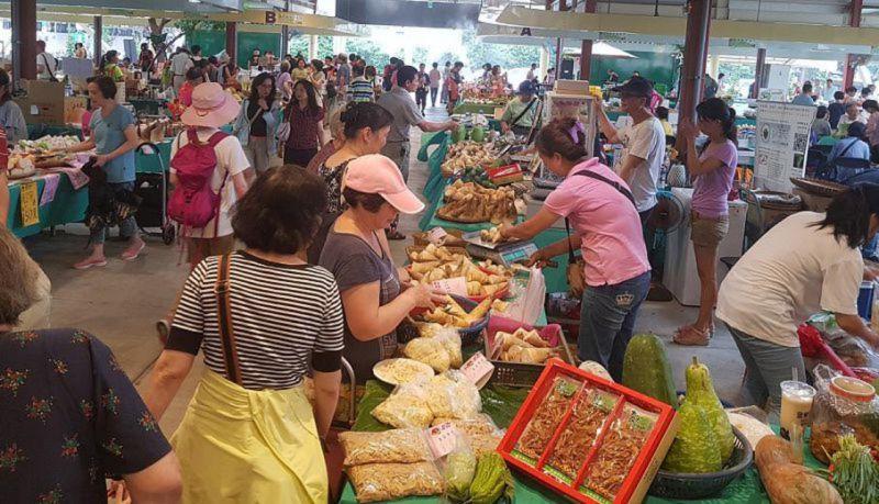 ▲民眾在希望廣場展售會上可以採買最新鮮的新北好筍。(圖/旅食樂)
