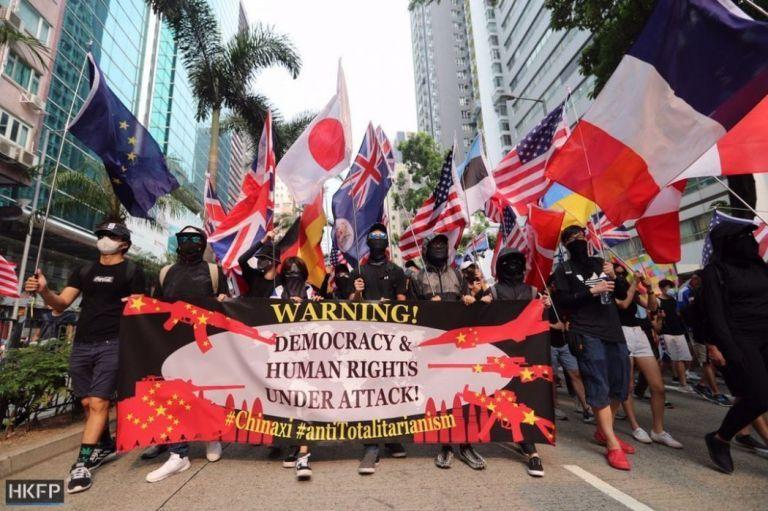 ▲全國政協常委劉漢銓認為,在示威期間揮舞外國國旗,將「明顯違法」。(圖/翻攝香港