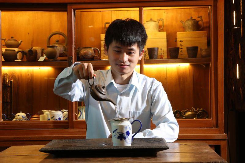坪林青農陳偉毅 茶味伴手禮讓台灣茶走向海外