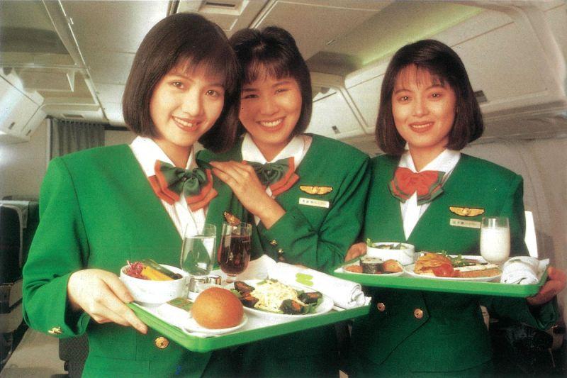 沒有修圖的年代!29年前長榮空姐照驚豔全場:真清秀佳人
