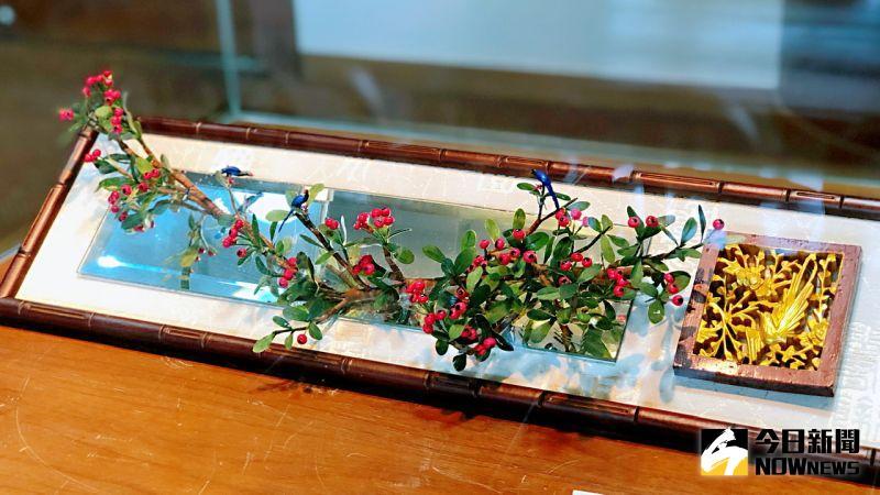 ▲ 展覽以高雄市花「木棉花」與台灣國鳥之一的「藍鵲」為主打。(圖/記者陳美嘉攝,2020.07.02)