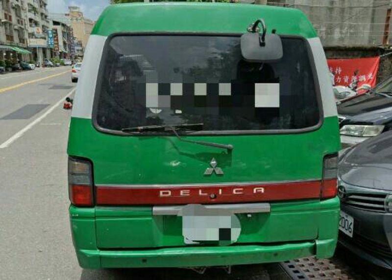郵務車未上鎖遭人開走 警方15分鐘逮補嫌犯