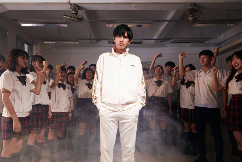 ▲林孟辰推出新歌《畢業哥》。(圖/環球音樂提供)
