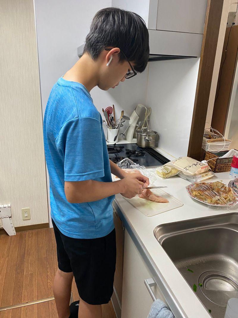 ▲日本有一位網紅推主拍攝了自己的兒子