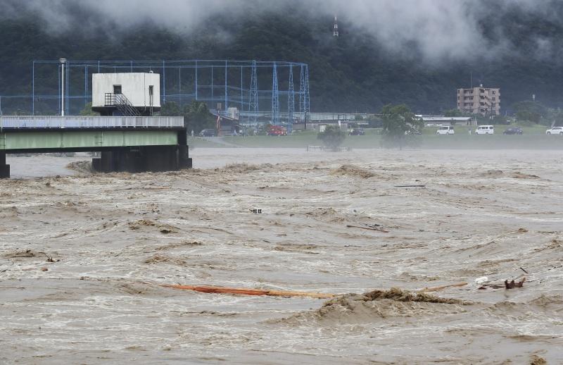 ▲日本九州熊本縣、鹿兒島地區, 4 日因暴雨釀成洪災、土石流。(圖/美聯社/達志影像)