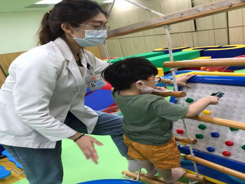 兒童發展遲緩 醫生:早期療育成效