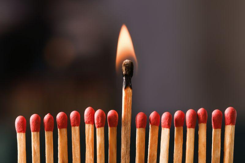 白沙屯解封進香/香燈腳也要進火?進香回程為何要帶火柴