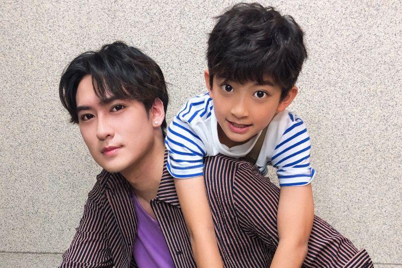 ▲沈建宏(左)也是從童星出道。(圖 / 達騰娛樂提供)