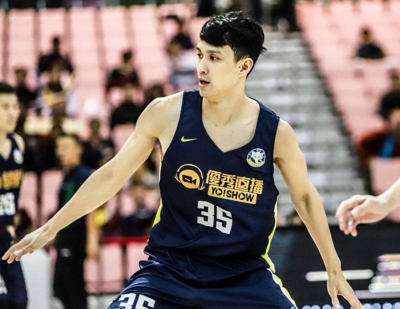 ▲高雄九太隊余純安畢業於七賢國中,是高雄出產的籃球明星。(圖/高雄九太科技隊提供)