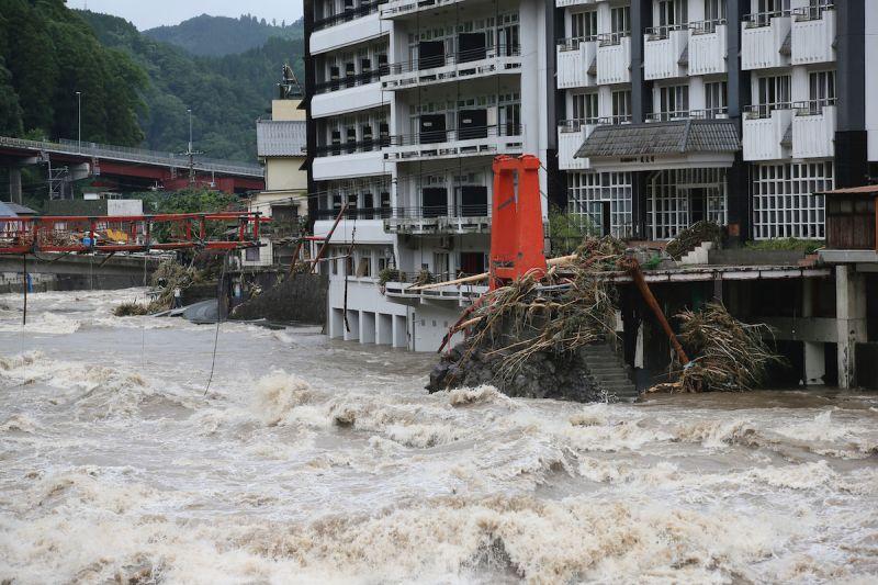 ▲日本九州連日暴雨造成多人死亡。(圖/美聯社/達志影像)