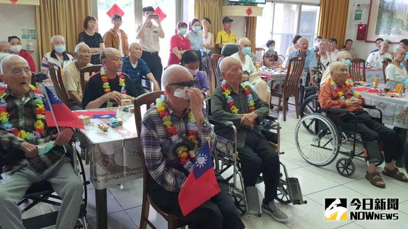 ▲102歲的陳志欽伯伯,回想對日抗戰時,他強調那是一段很艱辛的歲月。(圖/記者陳雅芳攝,2020.07.07)