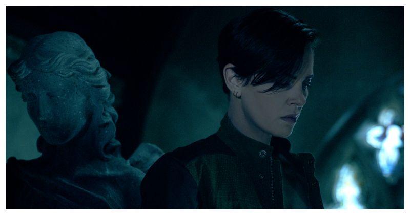 ▲莎莉賽隆想當隱形人。(圖/Netflix)