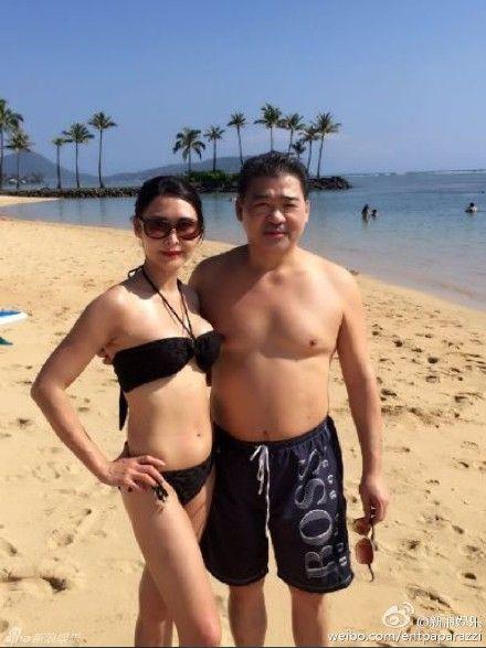 ▲葉玉卿(左)的老公胡兆明(右)遭爆向美國法院申請個人破產。(圖/新浪娛樂微博)