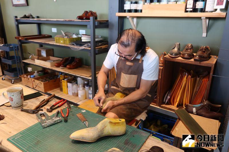 ▲沙伯迪國際精品公司總部設在彰化市,邀集眾多皮件設計工匠師製作精美的皮夾、皮包、皮帶、皮飾和皮鞋。(圖/記者陳雅芳攝,2020.07.10)