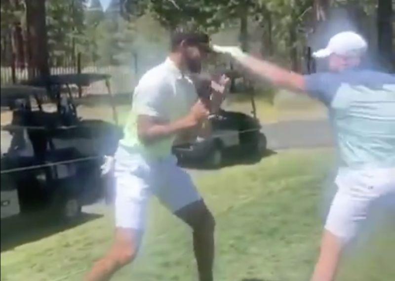 NBA/柯瑞一時興起與阿瓦雷茲拚拳 拳王一招讓他秒認輸