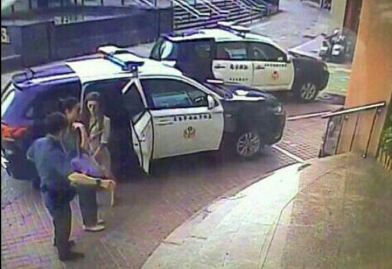 ▲吳姓舞姐和施姓大班正要下班到警局協助製作筆錄。(圖/記者郭凱杰翻攝,2020.07.10)